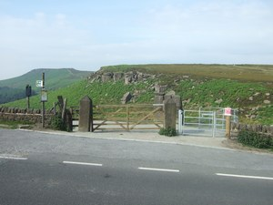 Upper Burbage gate before works